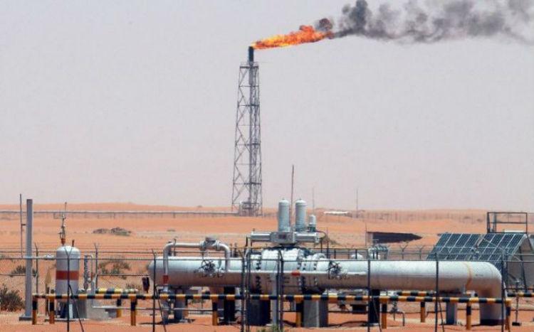 Arabia Saudita anuncia reducción de producción de petróleo ante la caída de los precios