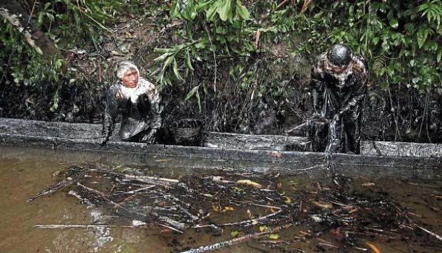 (Video) Petroperú acusa a indígenas de cortar un oleoducto en la Amazonía