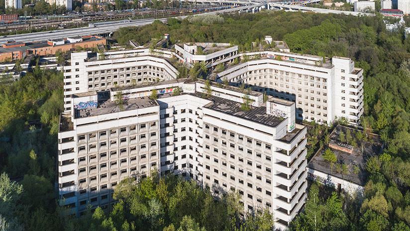 """Demuelen el """"hospital maldito"""" de Rusia que se cobró muchas vidas"""