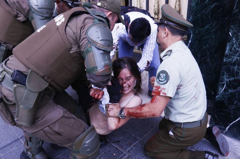 (Video) Estudiantes denuncian brutal represión de Carabineros en protesta por justicia en caso Catrillanca