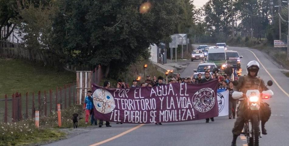Tribunal Ambiental declara admisible reclamación de comunidades mapuche contra ampliación de hidroeléctrica en Futrono