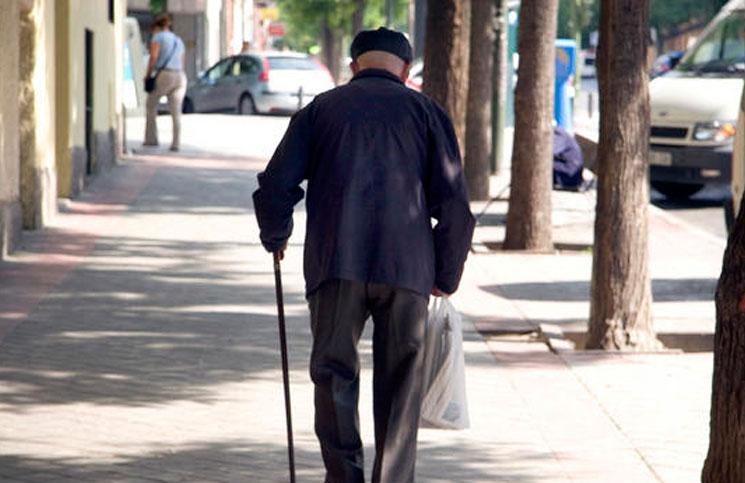 Fue a dar el pésame a un abuelo de 85 años y termina detenida por robarle todo el dinero