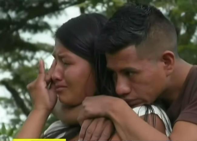 (VIDEO)  Indígenas Misak  lloran por quema de su institución educativa en el Cauca