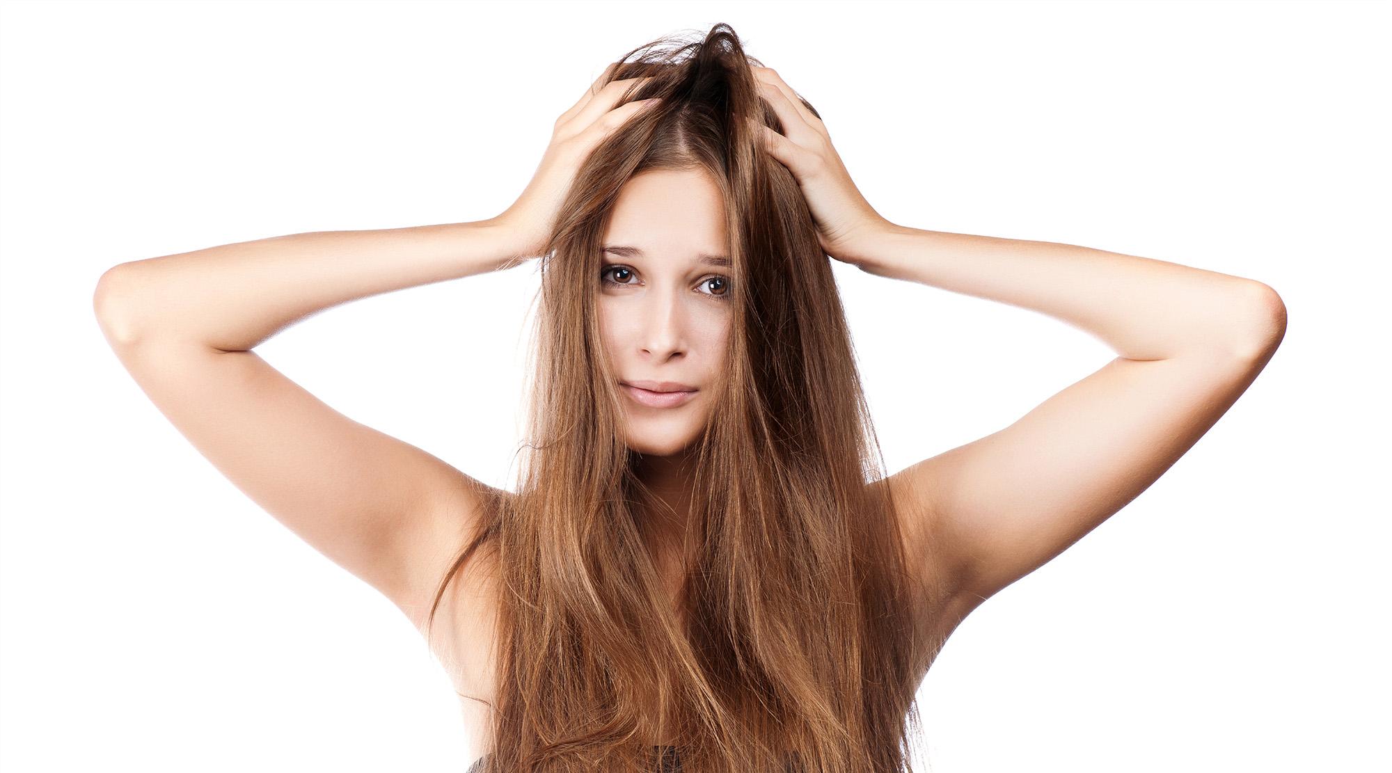 ¿Caída del cabello? Estas son las cinco vitaminas que fortalecerán tu cuero cabelludo