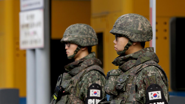 Corea del Norte y del Sur detienen actividades militares en su frontera