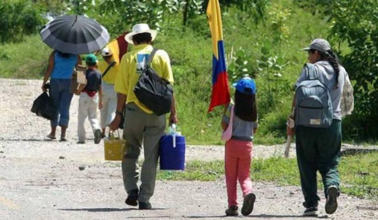 Ministro de Defensa de Colombia miente sobre un desplazamiento masivo en Norte de Santander