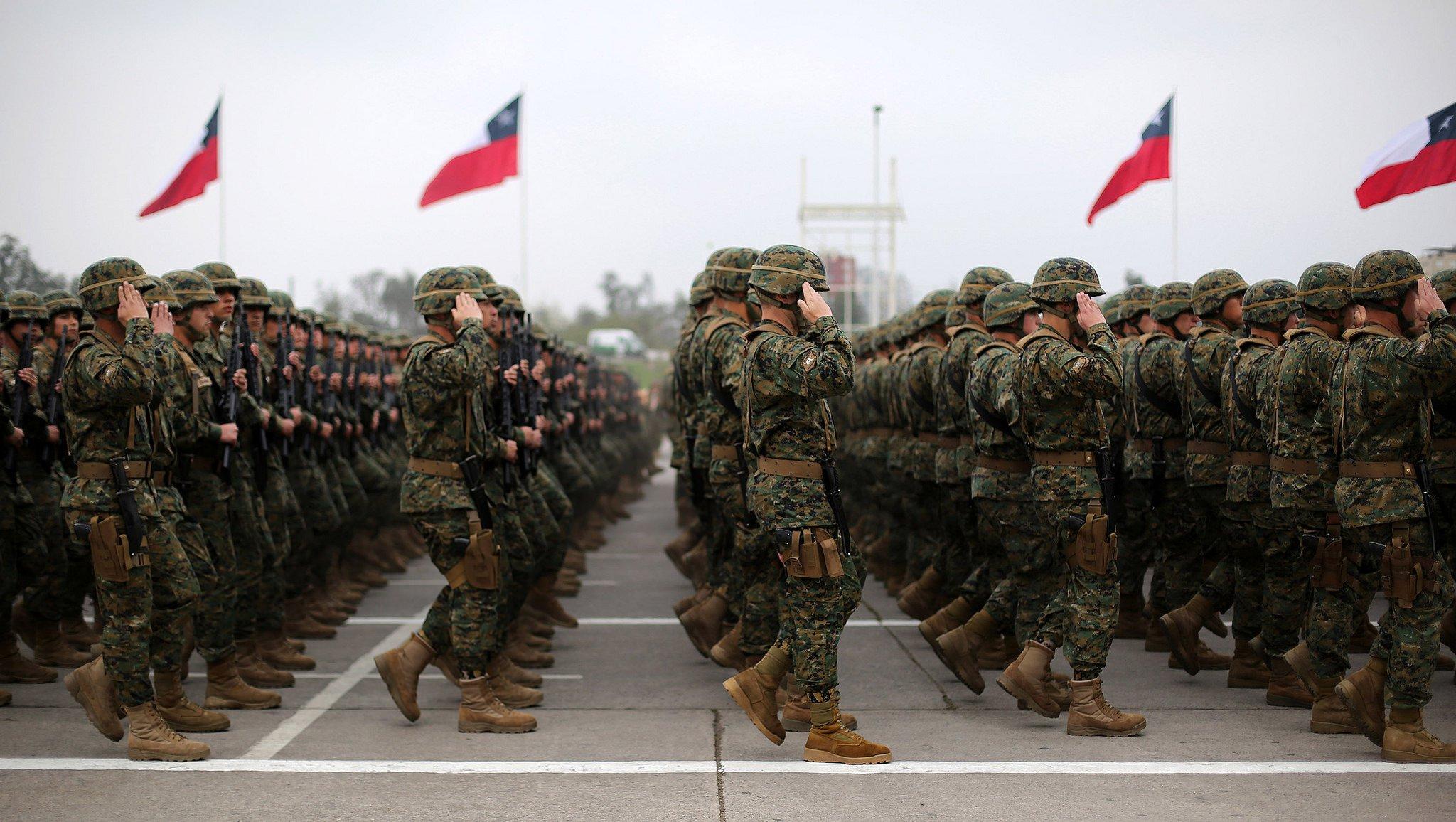 Comandante en Jefe del Ejército afirma que oficiales vendieron armas a bandas de narcotraficantes