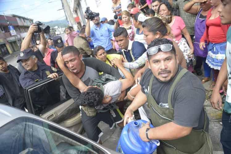 (Vídeo) FMLN señala como responsable del tiroteo al alcalde de Santa Tecla de El Salvador