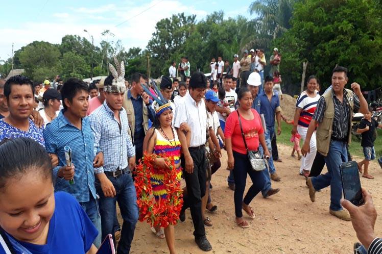 Bolivianos destacan compromiso de Evo Morales con pueblos indígenas