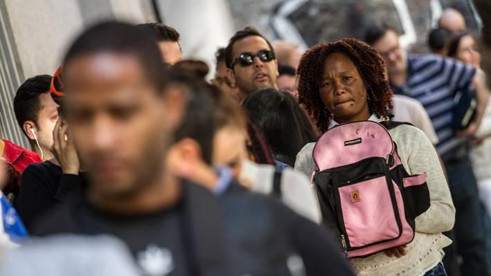 Estudio del INE: Inmigrantes tienen en promedio 1,6 años más de escolaridad que los chilenos