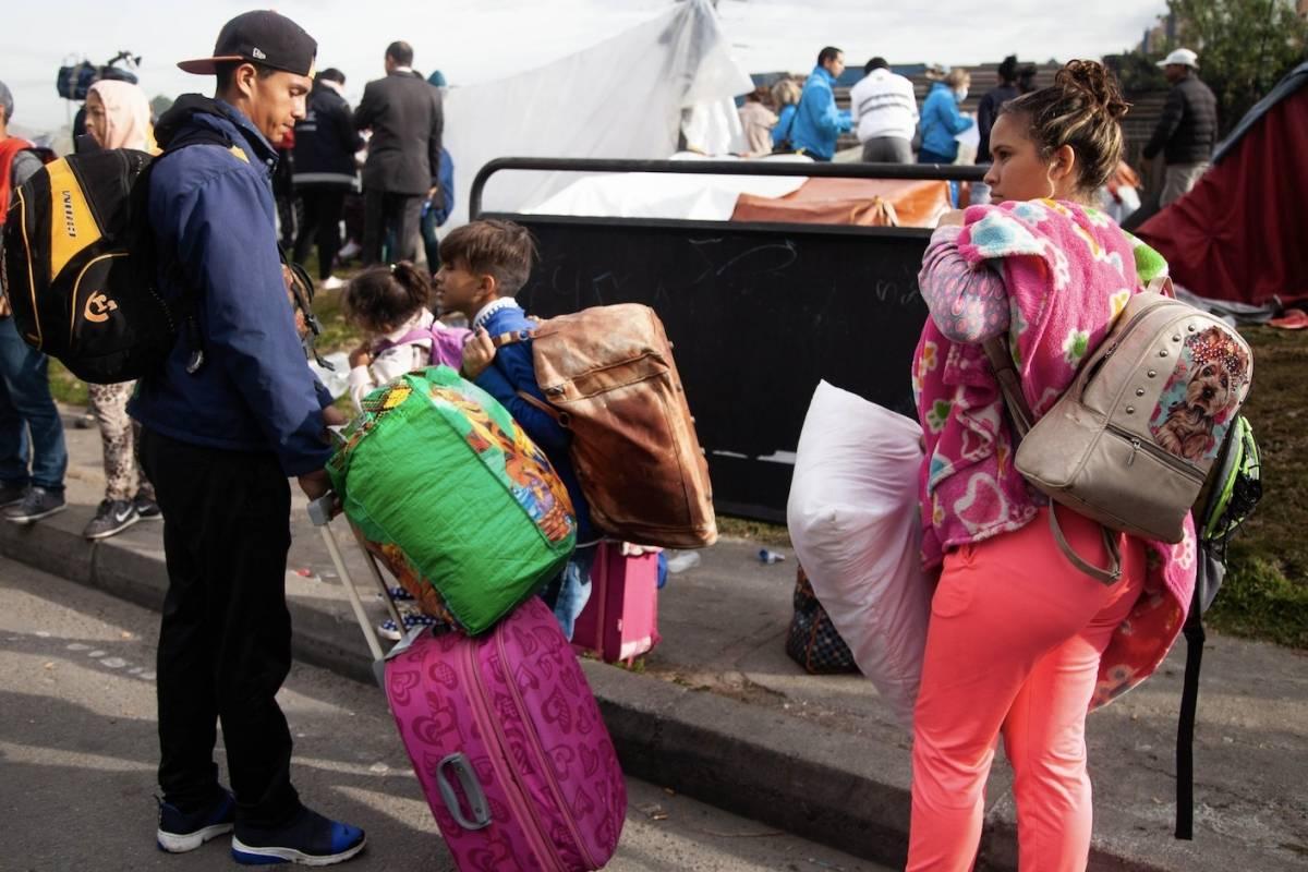 Colombianos reciben con expresiones xenófobas a migrantes venezolanos