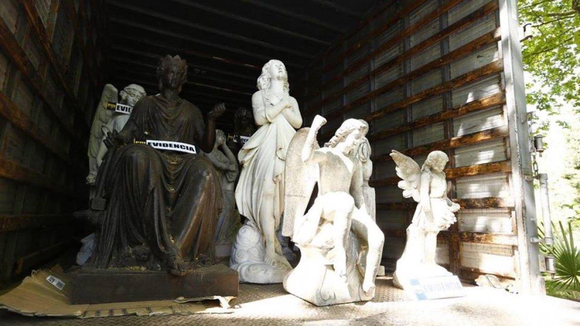 Mostazal: PDI recupera más de diez estatuas robadas en poder de un coleccionista
