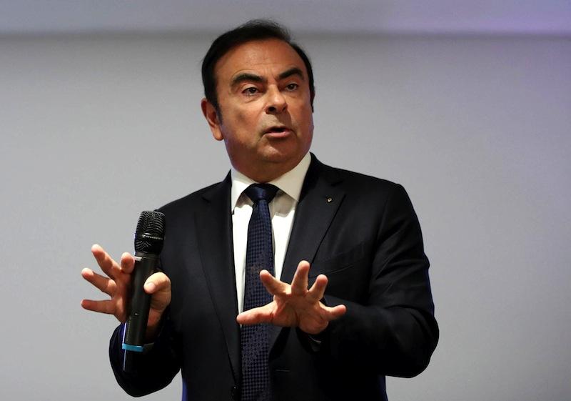 Presidente de Renault se salva: sin pruebas para destituirlo por ahora, dijo ministro de economía francés