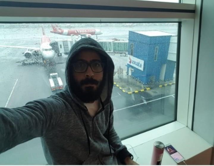 """""""Meses muy duros y fríos"""": La experiencia del sirio atrapado en un aeropuerto de Malasia"""