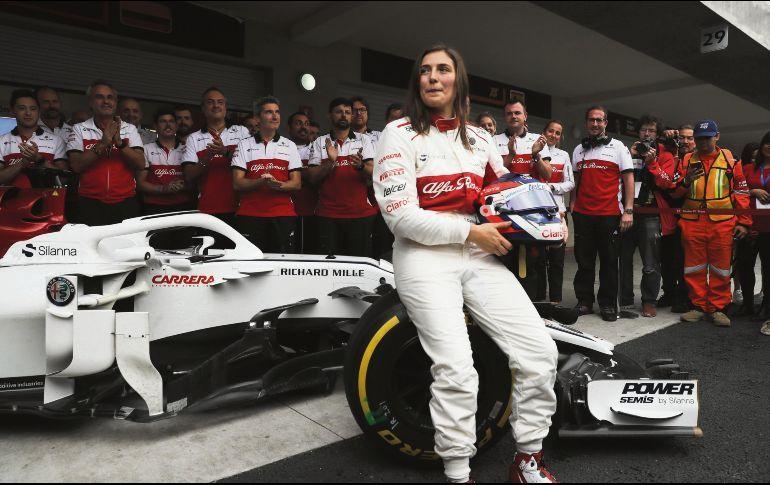 «La primera vez que aceleré parecía un videojuego», dijo Tatiana Calderón, primera latina en manejar un F1