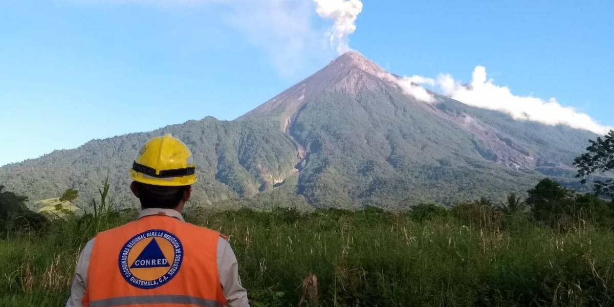 ¡Advertencia! Volcán de Fuego puede entrar en erupción en horas o días