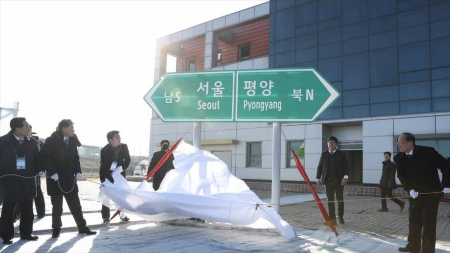 Las Coreas inician proyecto de interconexión por tren