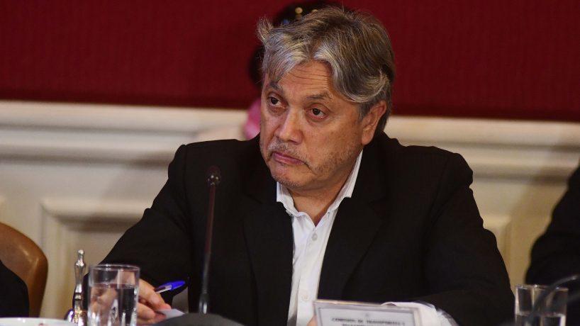 Injusticia: Jorge Mateluna «es inocente», afirma el senador Alejandro Navarro
