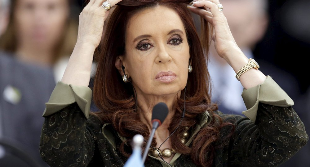 «Justicia» argentina saca todas sus cartas para desaforar a Cristina Fernández