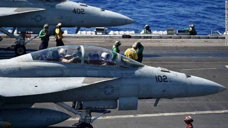 Dos aviones militares de EE.UU. colisionan en las costas de Japón