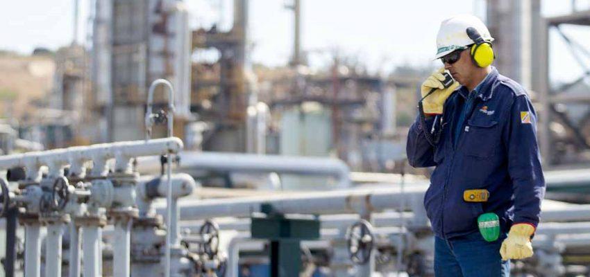 """ENAP confirma despido de cerca de 500 trabajadores por """"plan de ajuste"""""""