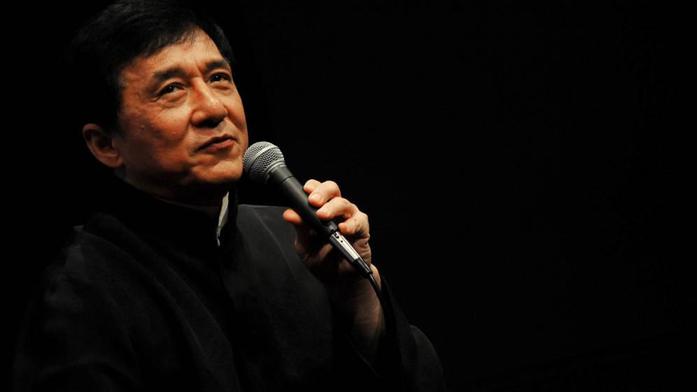 """El libro """"Never grow up"""" mostrará el lado oscuro de Jackie Chan"""