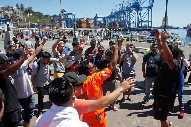 Portuarios de Valparaíso «en alerta»: Acusan incumplimiento de acuerdo por parte de los Von Appen