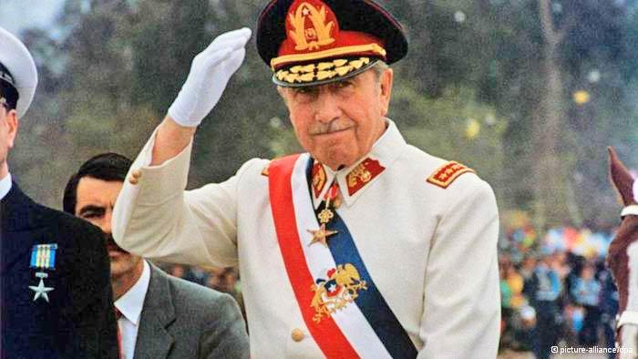 """Arica deroga decreto que declaraba al dictador Augusto Pinochet como """"hijo predilecto"""""""