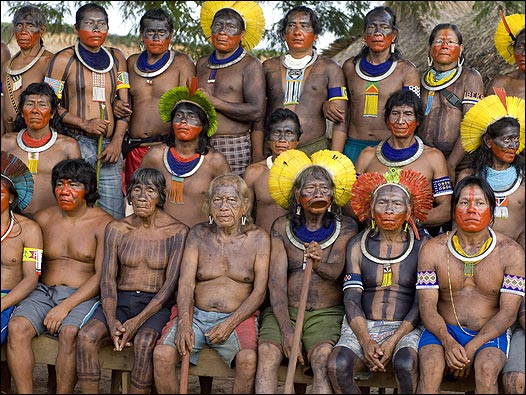 """Pueblos indígenas a Bolsonaro: """"No admitimos ser tratados como seres inferiores"""""""