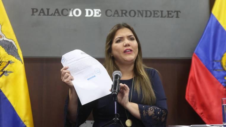 Parlamento de Ecuador acepta renuncia de la vicepresidenta involucrada en actos de corrupción