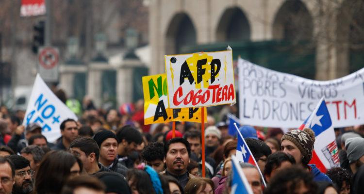 Pensiones: Un octubre terrible para los cotizantes y recién jubilados pero no para las AFP