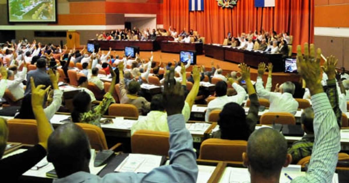 Parlamento cubano programa referendo constitucional para febrero