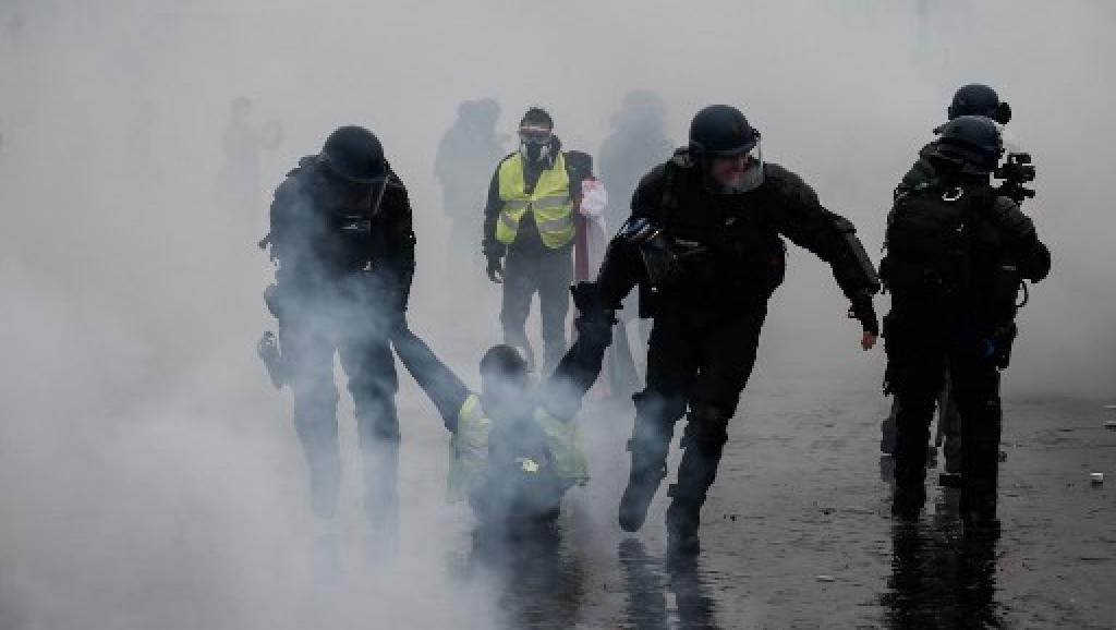 Cerca de 90 mil policías se desplegarán en Francia ante posibles protestas este sábado