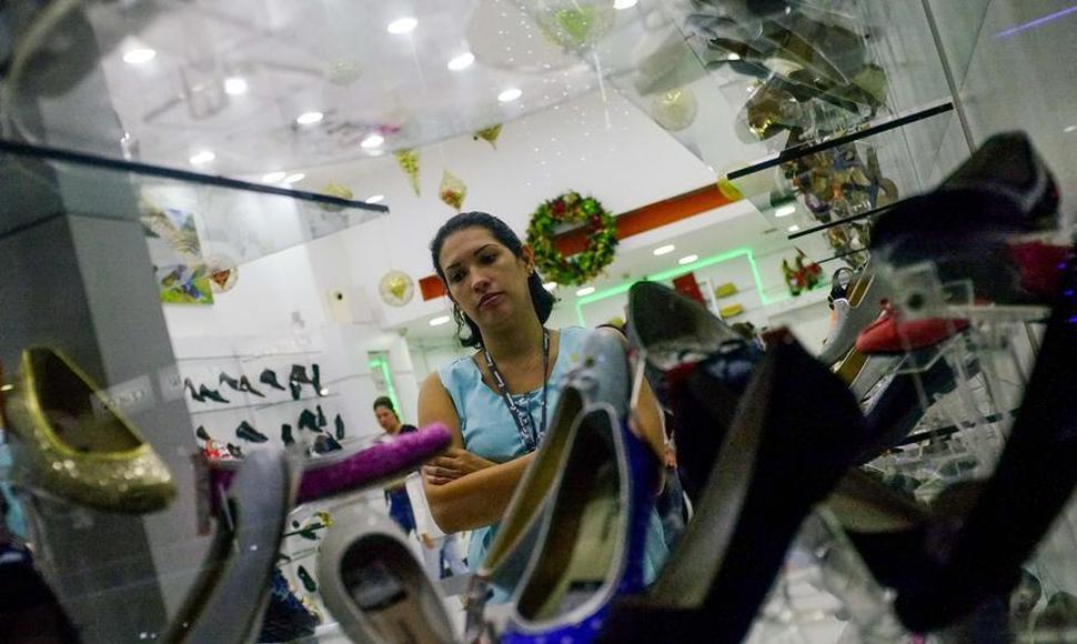 Venezolanos necesitan 14 sueldos mínimos para cumplir medianamente las tradiciones navideñas