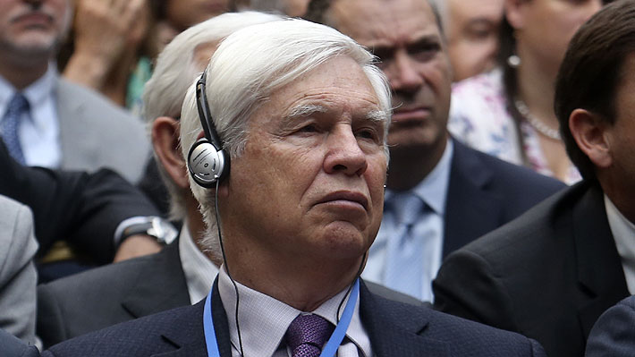 Premio Nobel critica a la banca chilena: «Tienen exceso de capital y podrían contribuir más al desarrollo»
