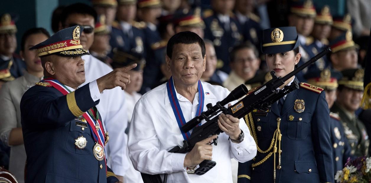Presidente de Filipinas invita a matar obispos católicos por inútiles