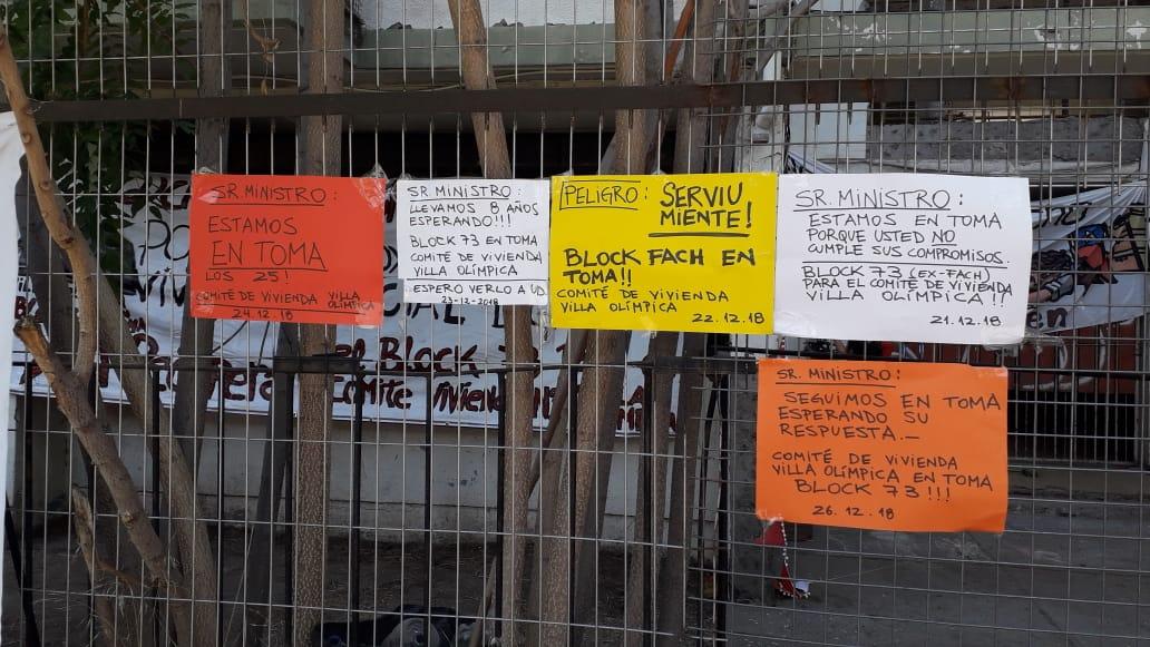 Ñuñoa: Vecinos se toman block en la Villa Olímpica y desmienten fallas estructurales