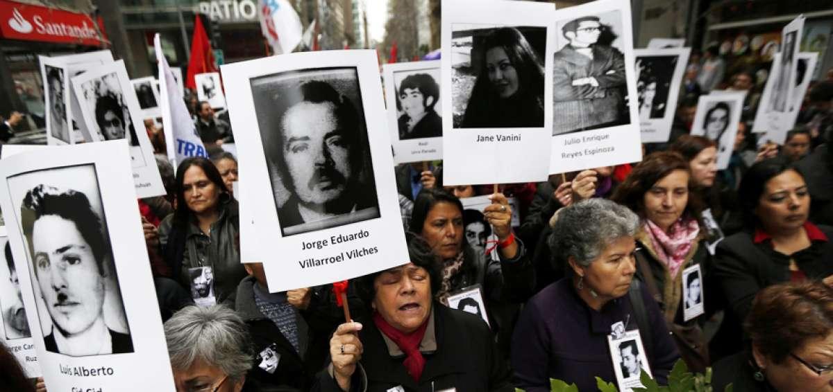 """Acusan campaña de """"mentiras, posverdades y distorsiones"""" contra proyecto que castiga negacionismo"""