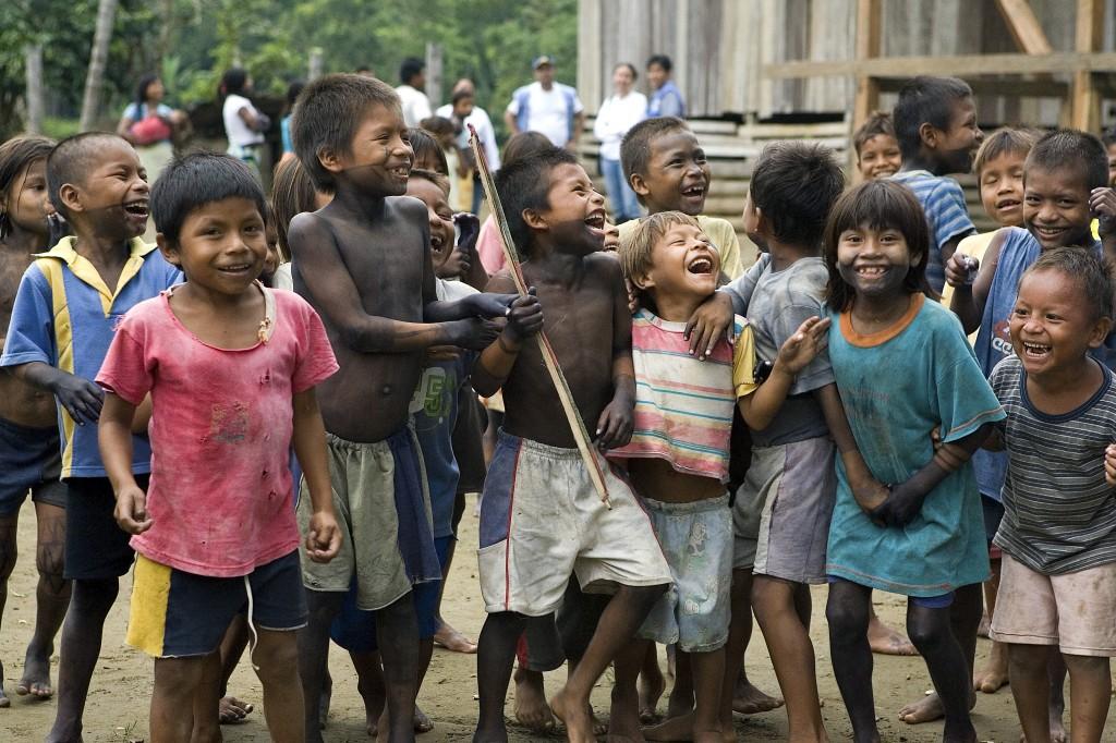 Sistema educativo colombiano excluye a indígenas, campesinos y afros