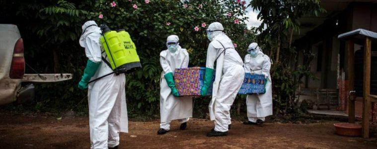 A 322 asciende la cifra de muertos por brote de ébola en el Congo