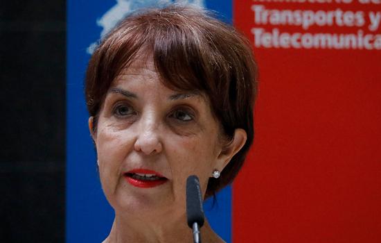 """Ministra de Transportes aseguró que """"desconocía"""" alza en los pasajes del Transantiago y el Metro"""