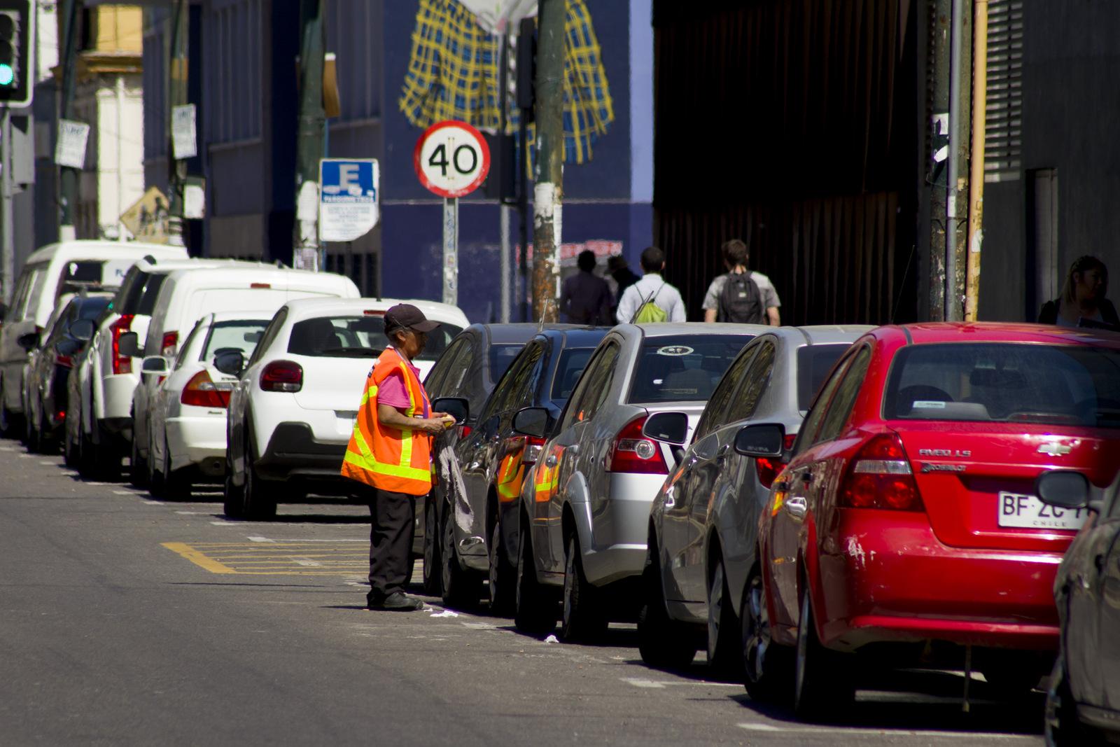Valparaíso: Bomberos comenzó a administrar 672 estacionamientos en el plan de la ciudad