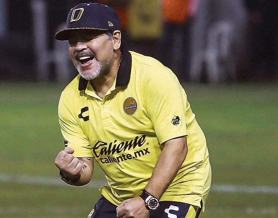 Maradona seguirá al frente de Dorados de Sinaloa en México
