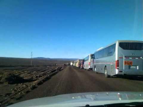 Antofagasta: Trabajadores bloquean accesos a División Gabriela Mistral de Codelco