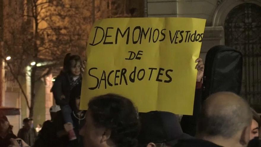 Senadores dieron un rotundo no a la impunidad contra abusos de la Iglesia