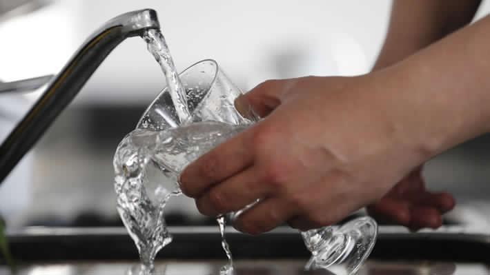 Santiago: Formalizan a trabajadores que vertieron desechos fecales en red de agua potable