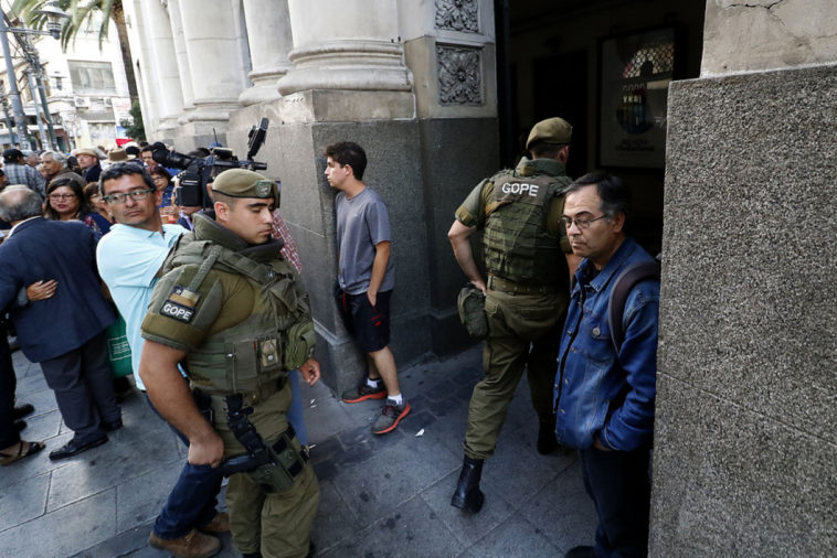 Municipalidad de Valparaíso interpone querella criminal por falso aviso de bomba en acto de homenaje a la Revolución Cubana