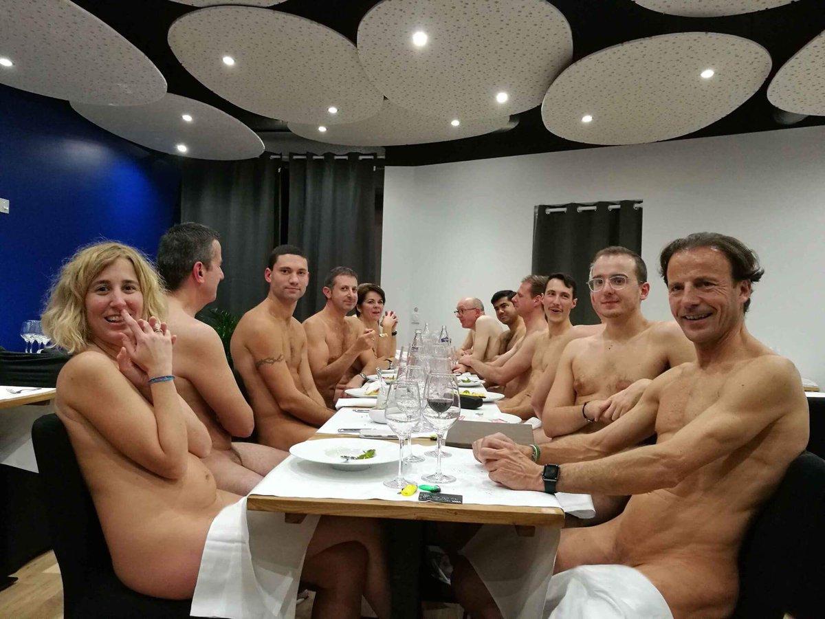 Cierra sus puertas el único restaurante  que ofrecía cenas a nudistas en París