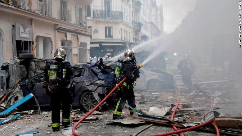Tres muertos y más de 30 heridos deja explosión de una panadería en París