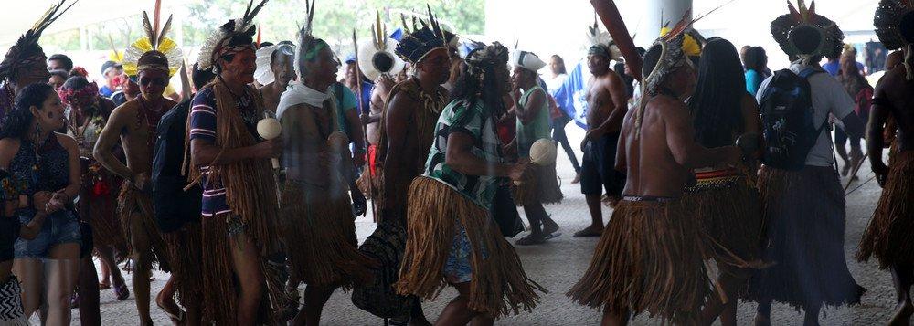 (Video) Pueblos indígenas brasileños protestan contra políticas de Bolsonaro